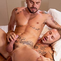 Two bearded and tattooed male with fit physiques having anal sex Virtual Real Gay